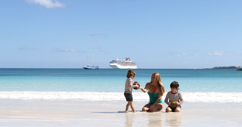 kuto-beach-isle-of-pines-new-caledonia-travelling-with-kids-5