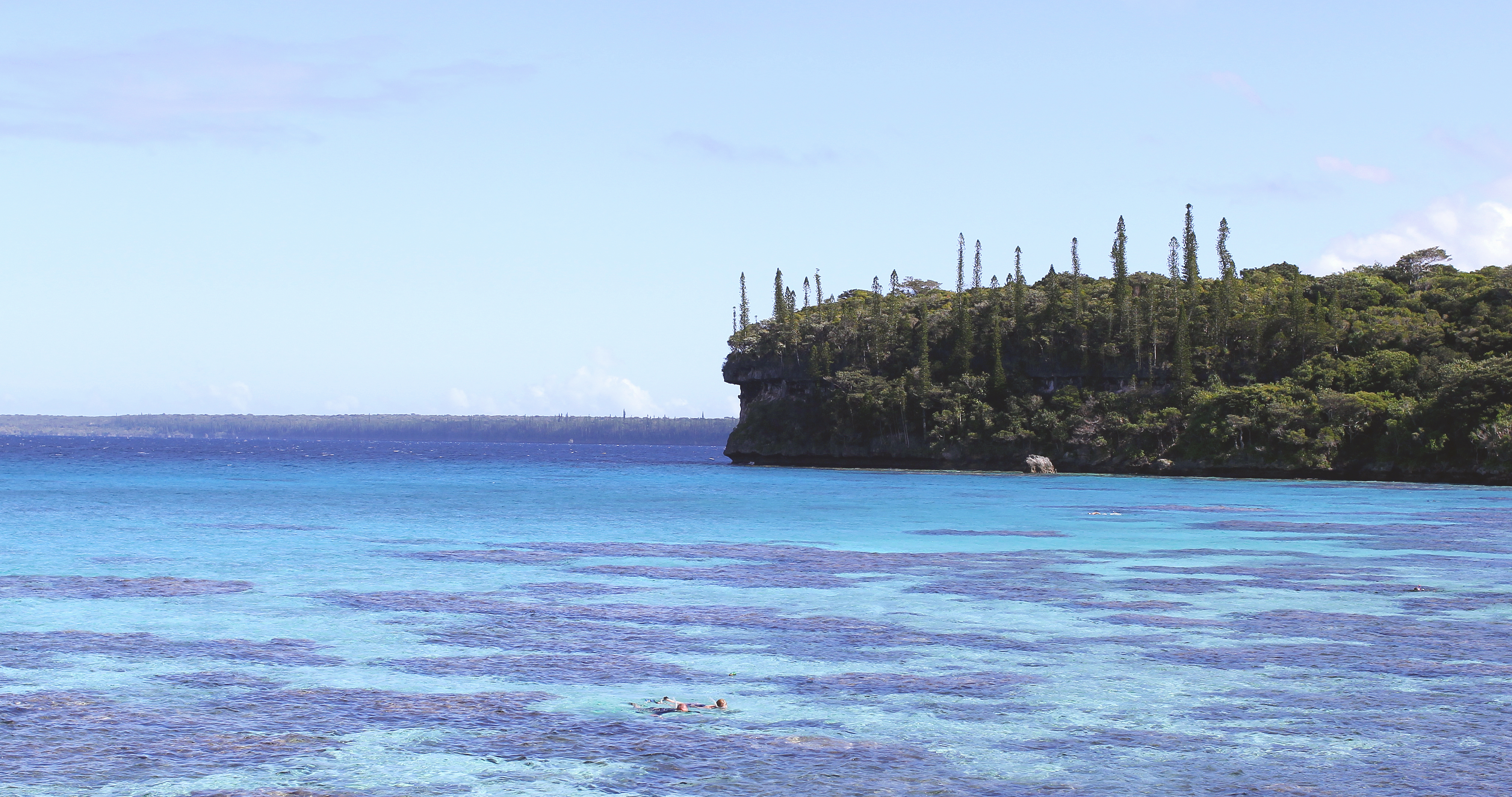 snorkelling-jinek-bay-lifou-island-new-caledonia-travelling-with-kids-1